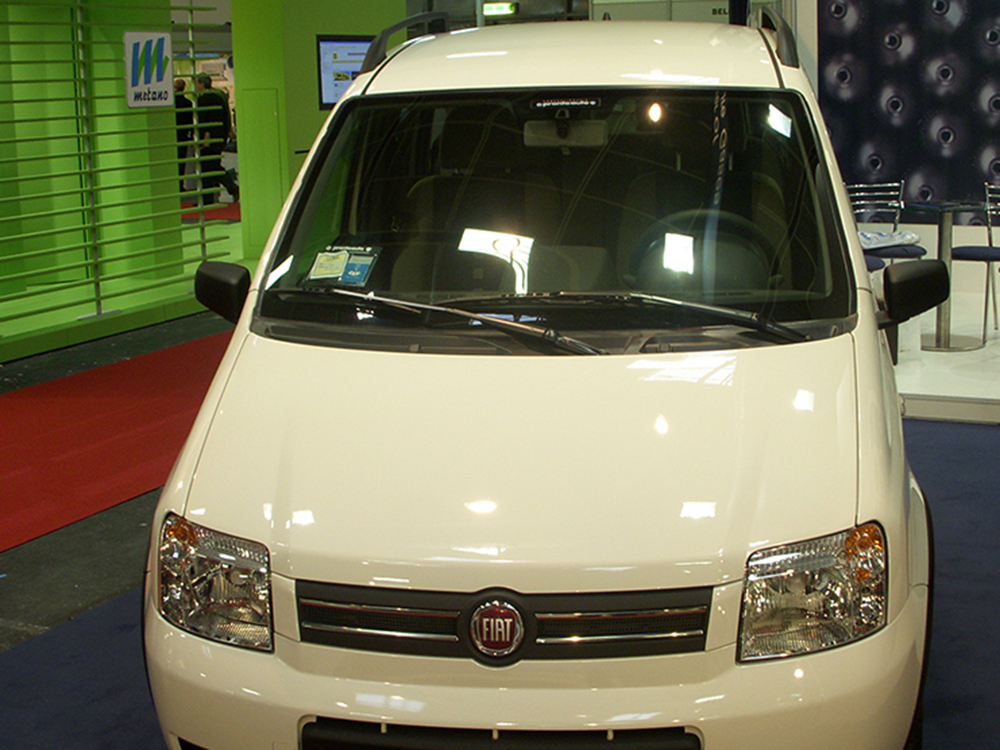 Hall Shows In Italy Bikes And Cars Powered By Natural Gas
